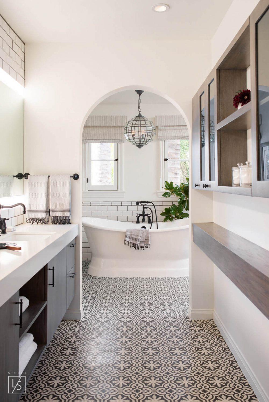 45 Master Bathroom Ideas 2019 (That Will Awe You) 33