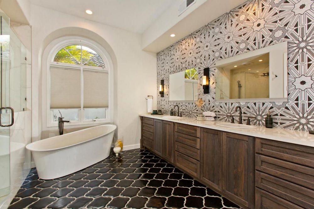 45 Master Bathroom Ideas 2019 (That Will Awe You) 32