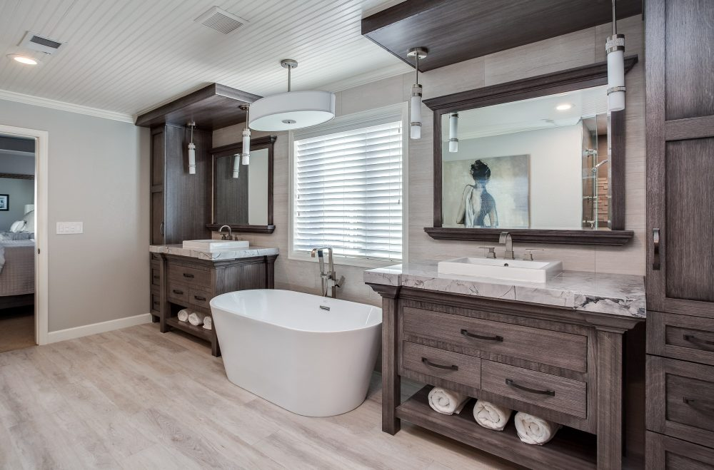 45 Master Bathroom Ideas 2019 (That Will Awe You) 37