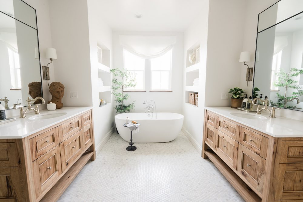 45 Master Bathroom Ideas 2019 (That Will Awe You) 44