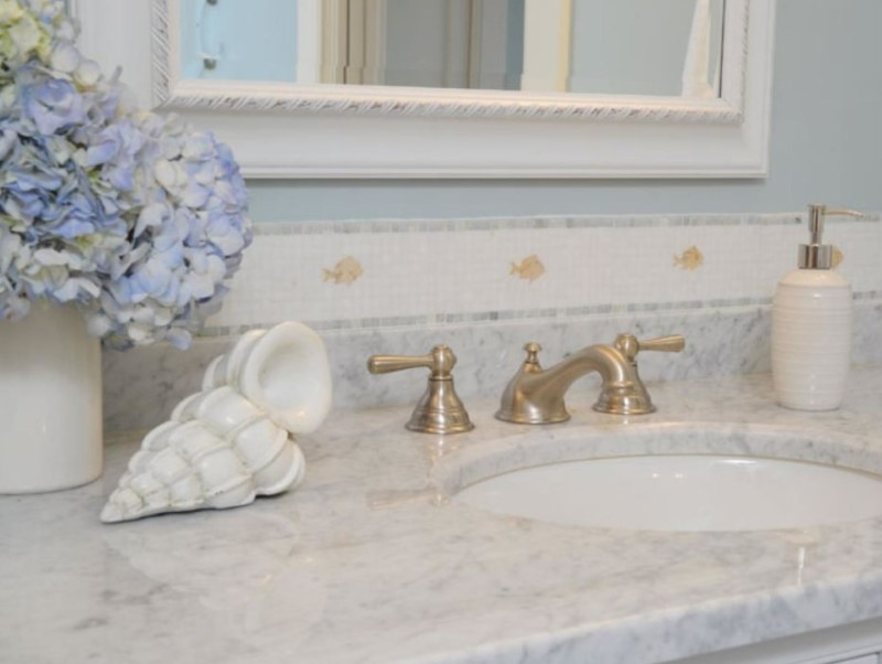 15 Bathroom Countertop Ideas 2020 (and Their Plus Points) 8