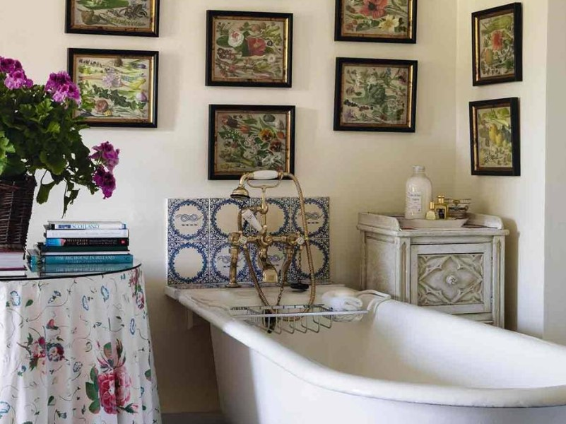 15 Country Bathroom Ideas 2020 (Scene-Stealing Design Inspirations) 13