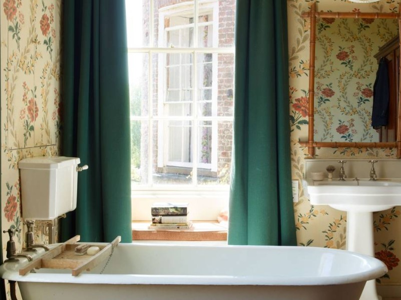 15 Country Bathroom Ideas 2020 (Scene-Stealing Design Inspirations) 5